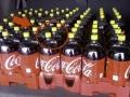 Você sabe porque algumas garrafas de coca-cola possuem a tampa amarela?