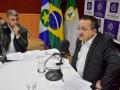 Governador responde perguntas de internautas e 84 rádios
